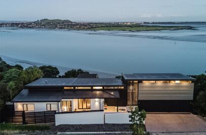 Granny's Bay Residence