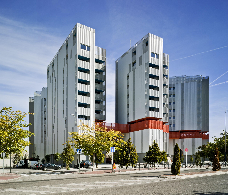 The Coslada Hybrid Complex