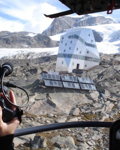 Autonomous alpine shelter, New Monte Rosa Hut