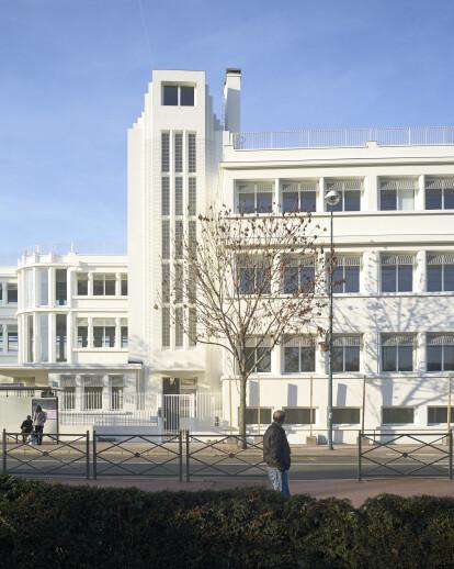 Industrial building rehabilitation in Gennevilliers