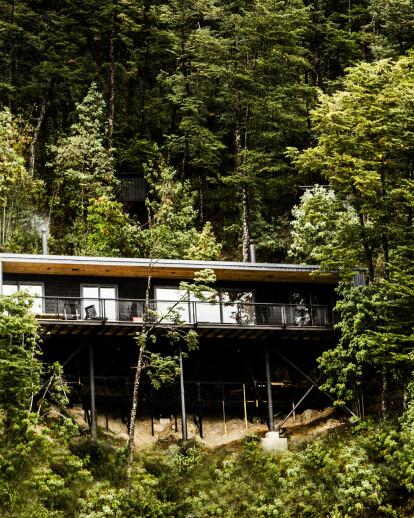 House in Todos los Santos Lake