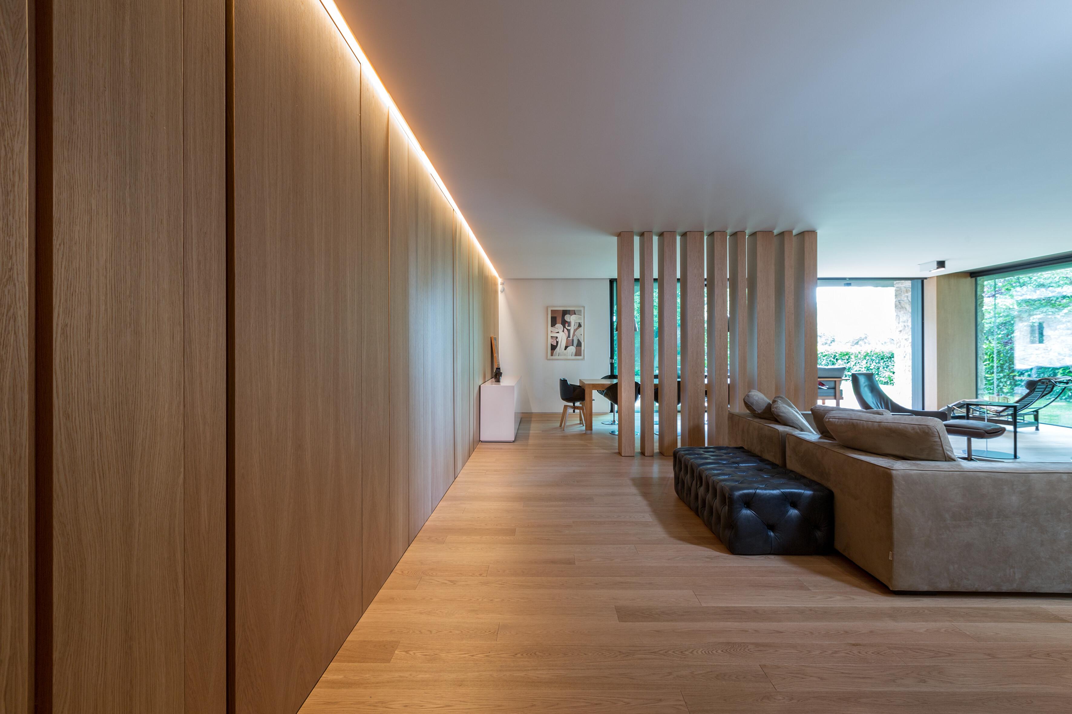 Architect Panos Nikolaidis designs a Residence in Politia