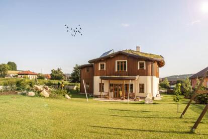 Sustainable organic family house