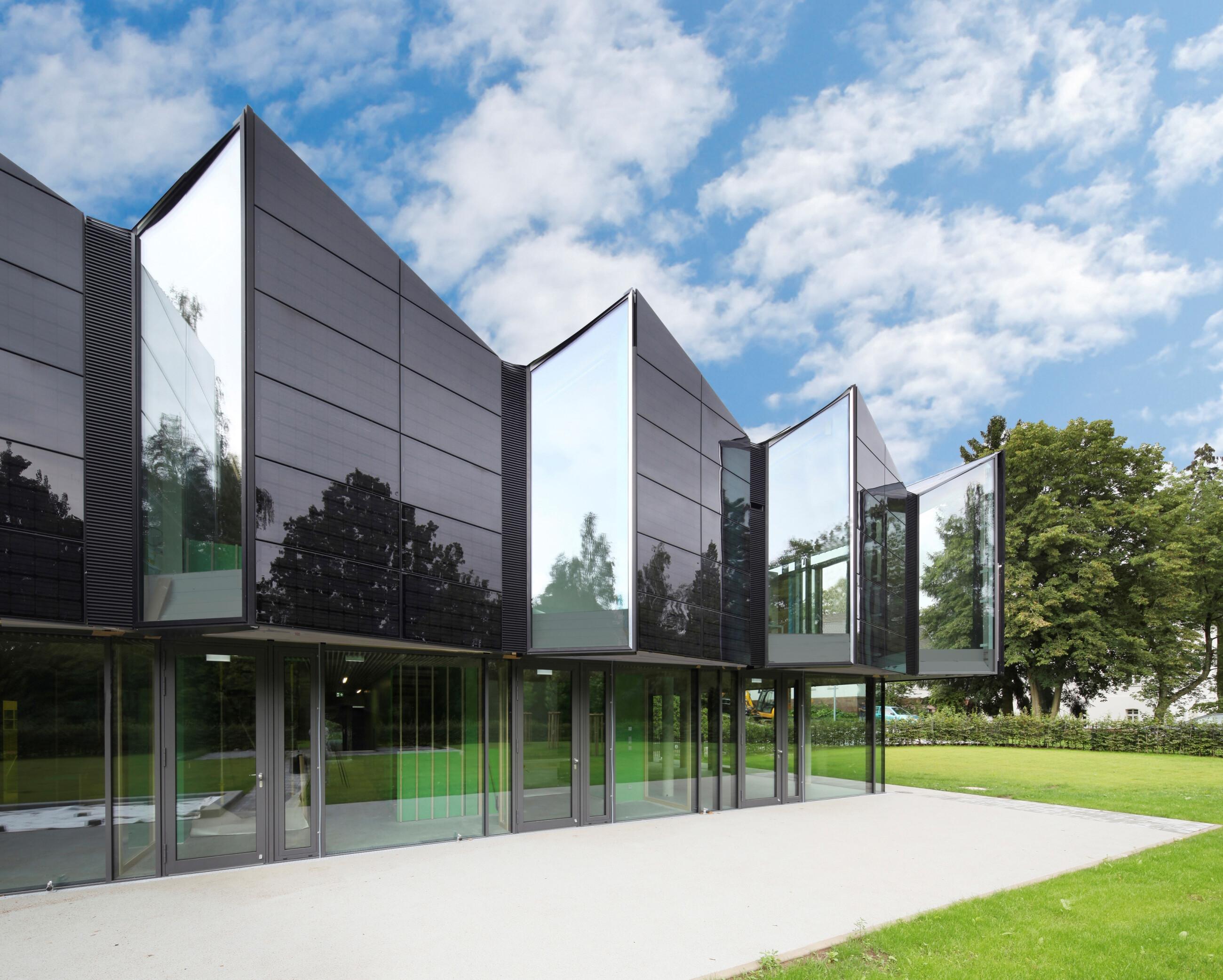 Homogeneous Solar façade