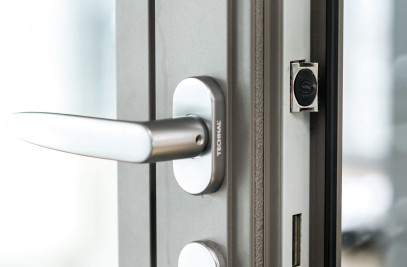SOLEAL high performance door