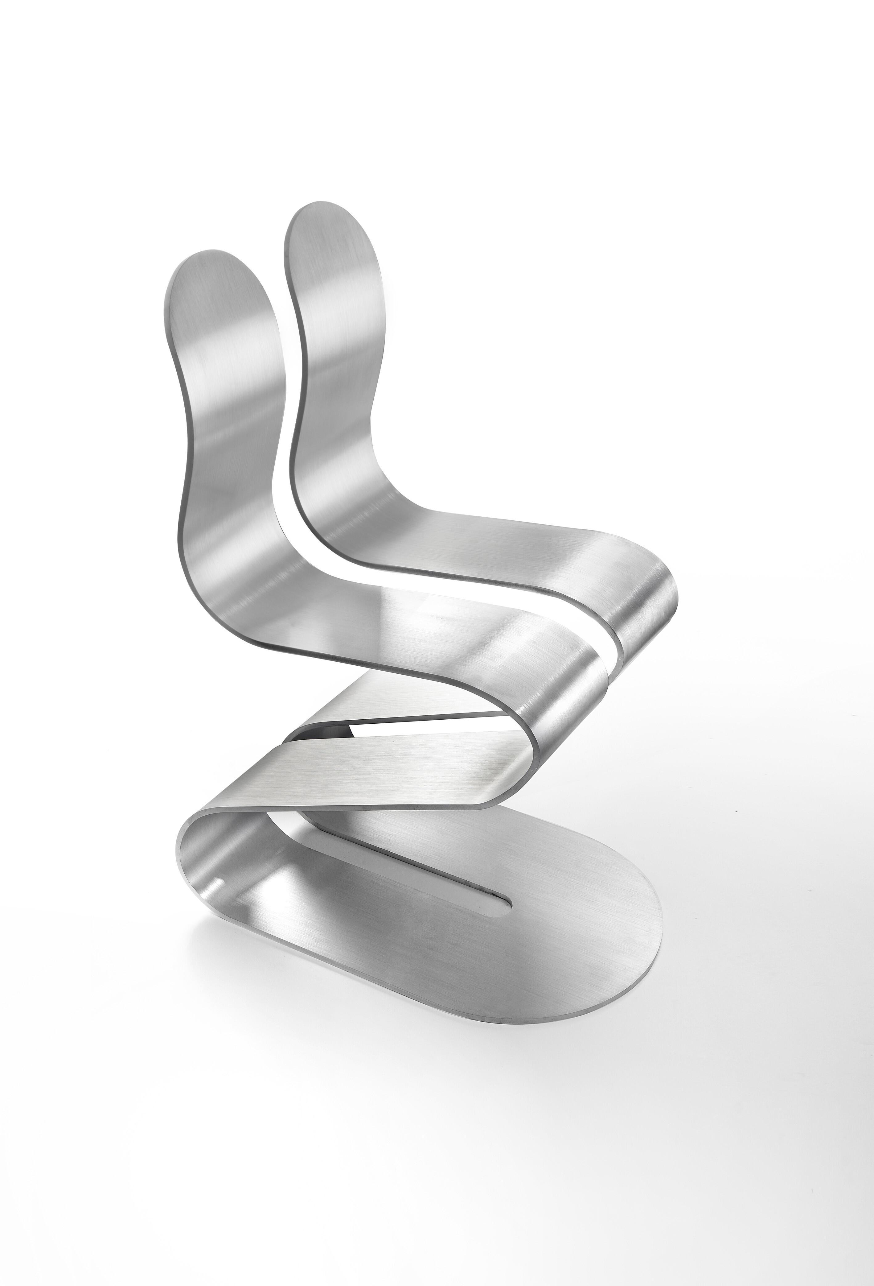 Fluid ribbon chair