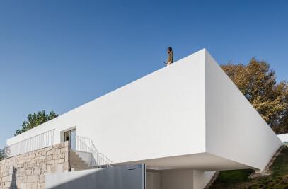 E D & J O  house