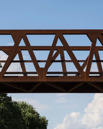 Footbridge over the River Mogent