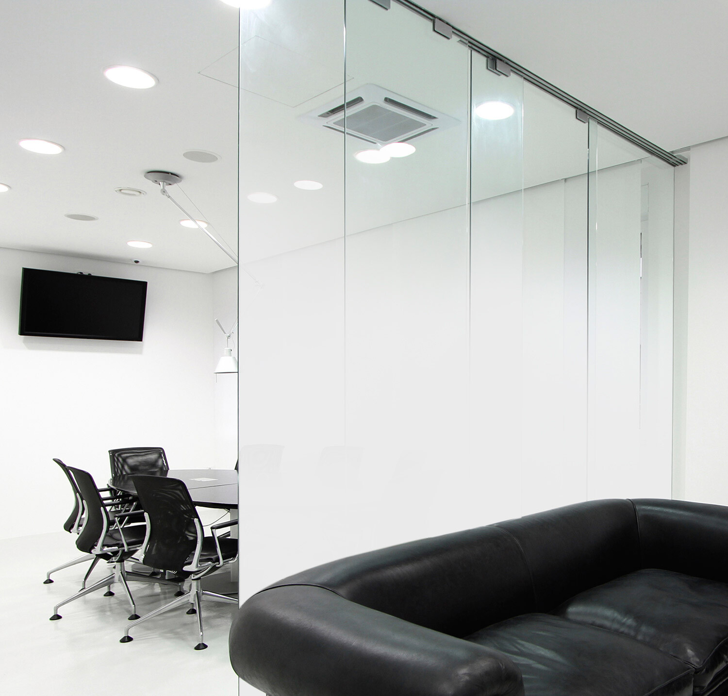 """Ultra-White Fade®"" Glass Wall"