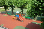 Perfect shockproof floring for playgrounds.