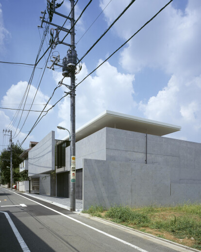 HOUSE IN KAKINOKIZAKA
