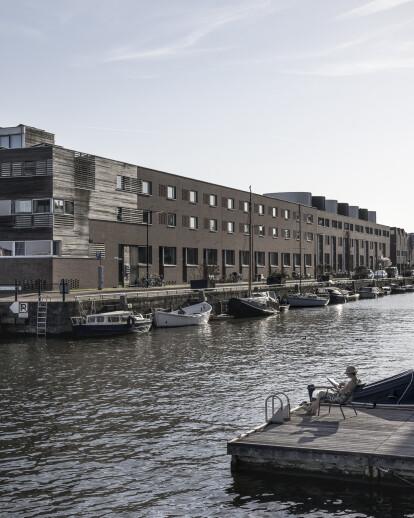 26 housing units in Borneo Dock, Amsterdam