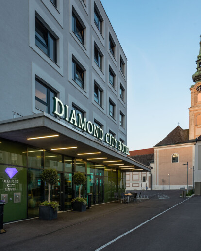 Hotel and residential building Tulln