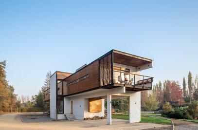 Rosales Quijada House