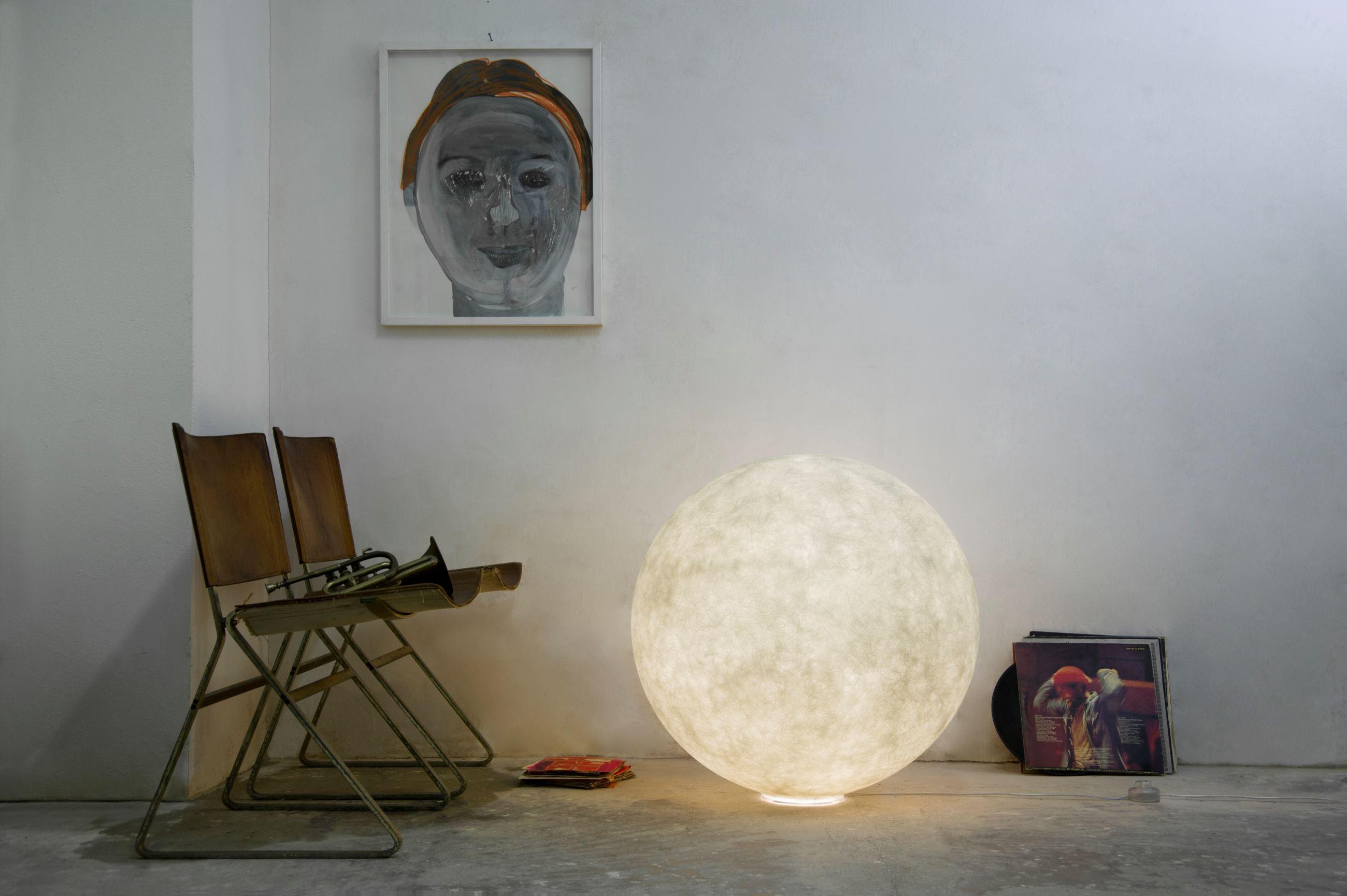 Floor Moon