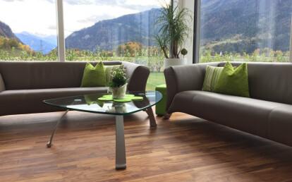 Olivenholz Parkett Wohnzimmer Detail