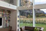 Olivenholz Parkett Wohnzimmer - Bücherregal
