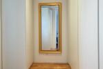 Olivenholz Parkett Flur mit Spiegel
