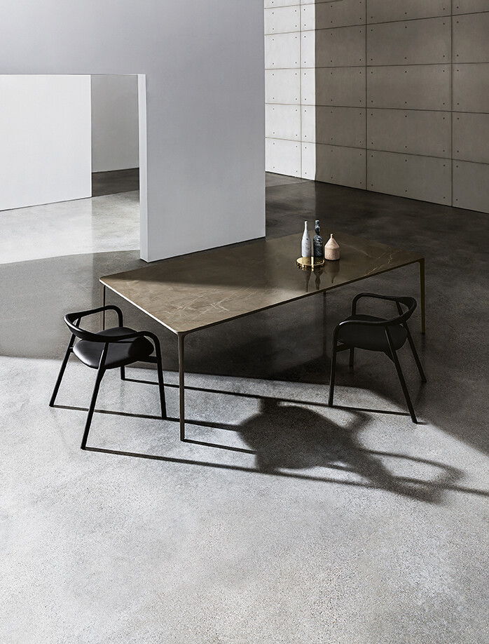 Slim table with ceramic top