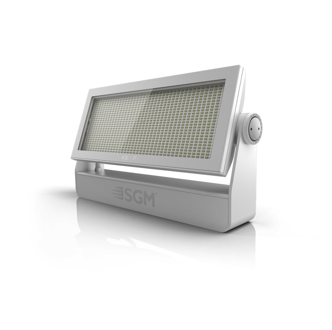 Q·7 POI RGBW LED Flood Light