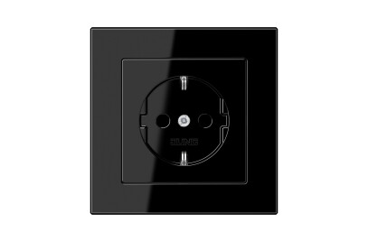 A Creation SCHUKO-Socket in black