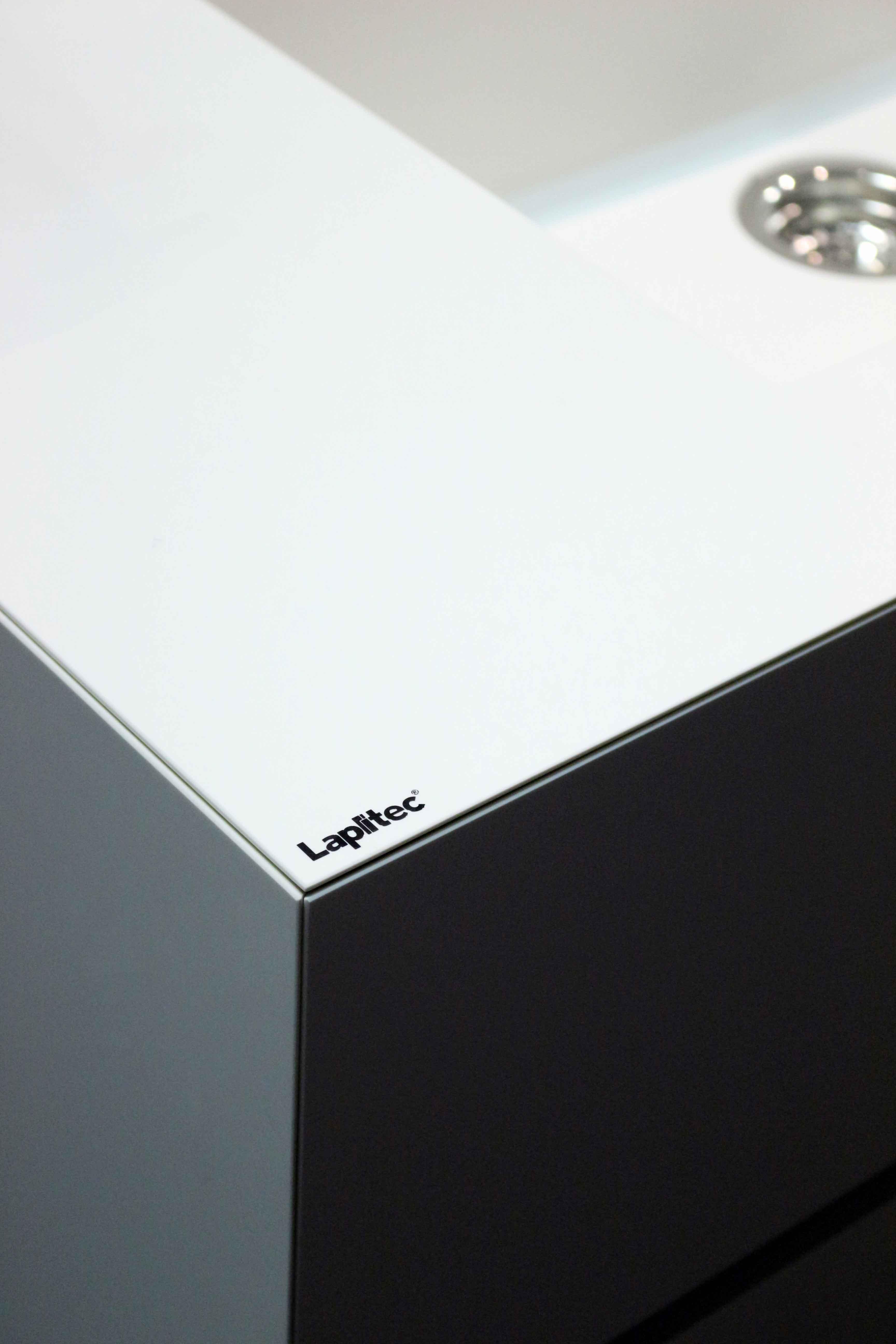 Bianco Assoluto, Lux