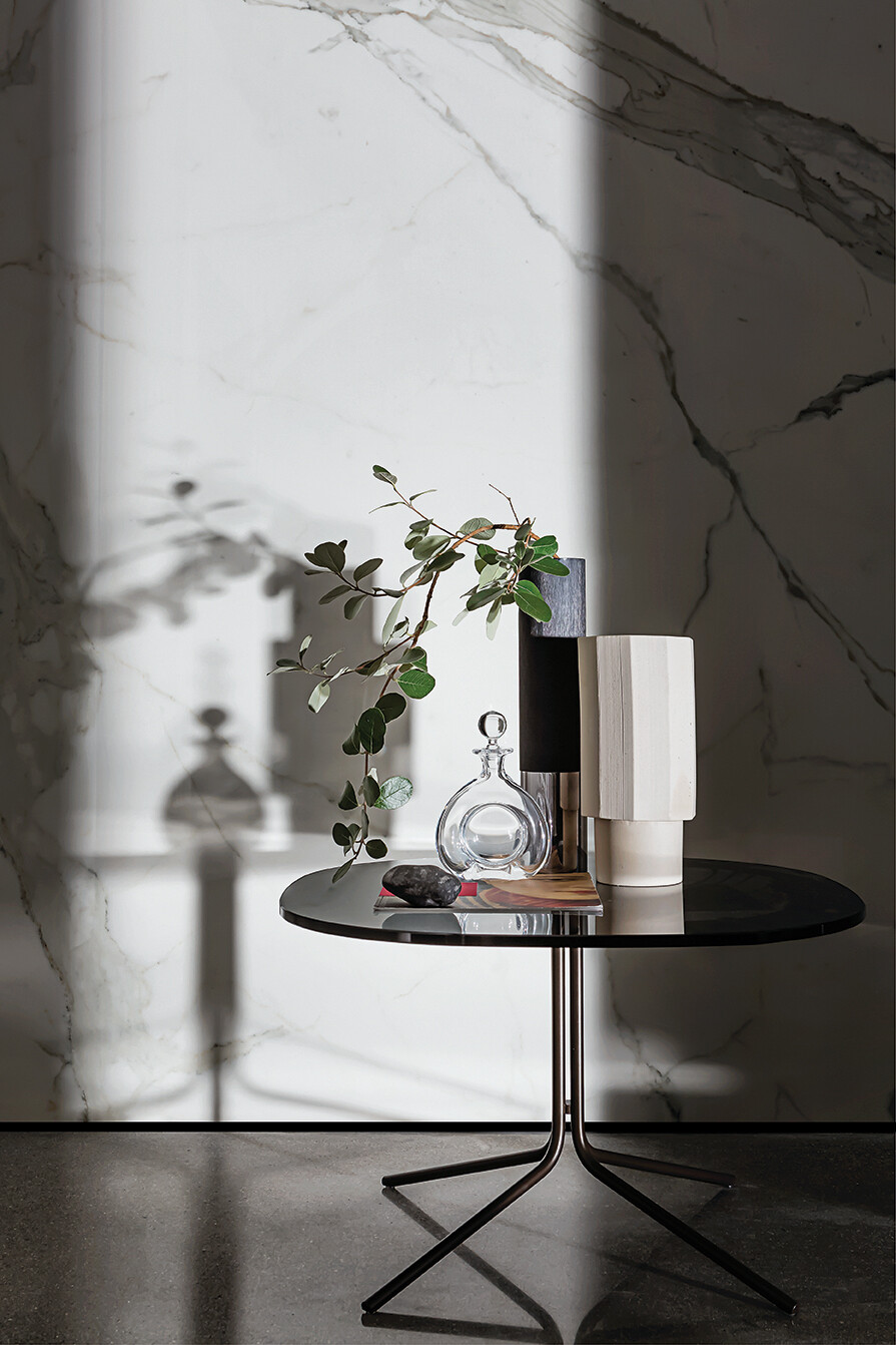 Genius with ceramic and wooden top
