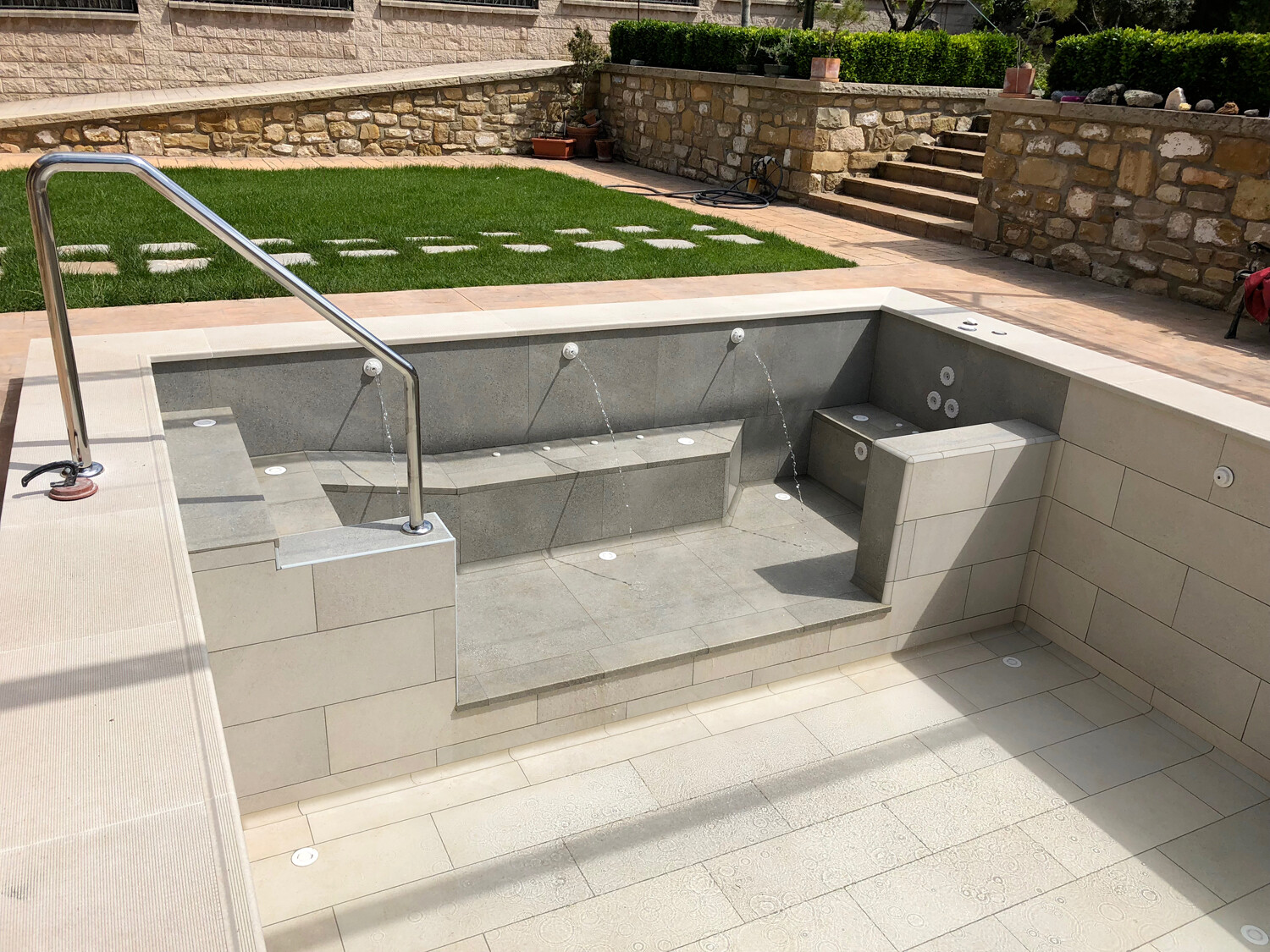 COVE POOL SYSTEM