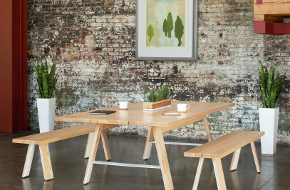 Delen Meeting Tables