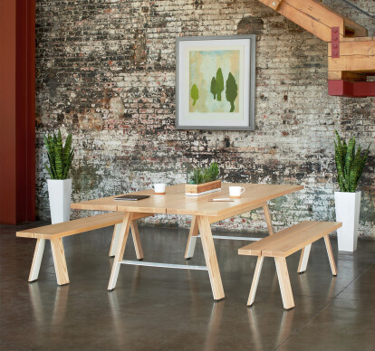 Delen Meeting Tables