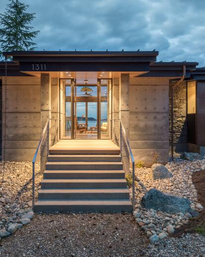 Beach Drive Waterfront Studio