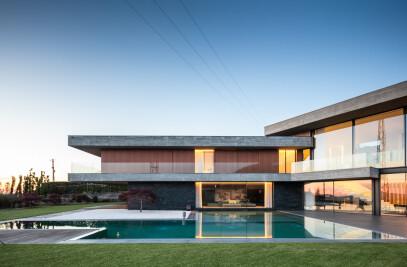 FRAIAO HOUSE
