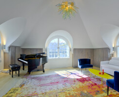 Stamford on the Water - piano room