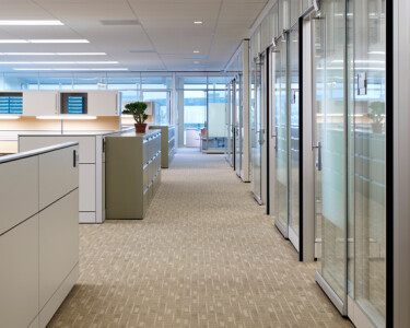 Altos architectural walls create private offices with glass storefronts designed to contribute to a perception of accessibility, thus promoting communication between all levels of staff.