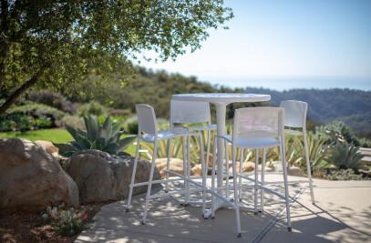 Avivo Tables & Chairs