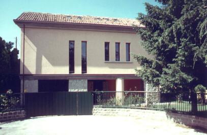 A LITTLE BIG HOME