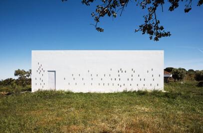 83 House in Monte da Silva