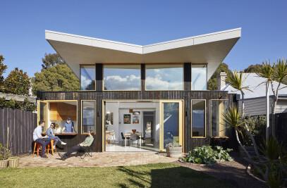 Glide house