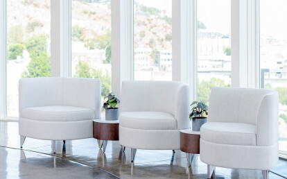 Leaf Ganging Lounge Chairs with 30-Degree Connecting Tables
