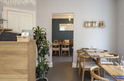 Ø Restaurant