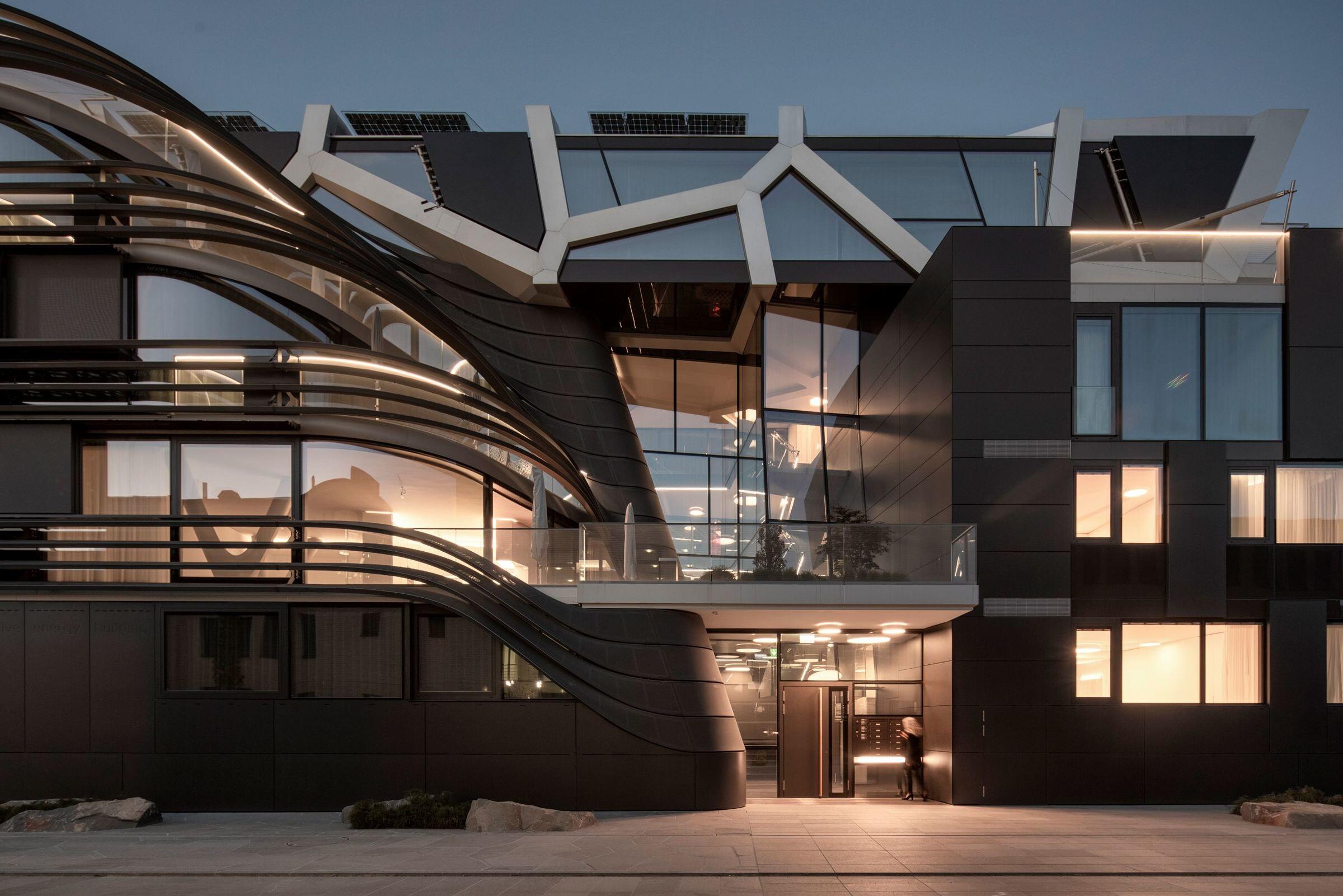 Active Energy Building