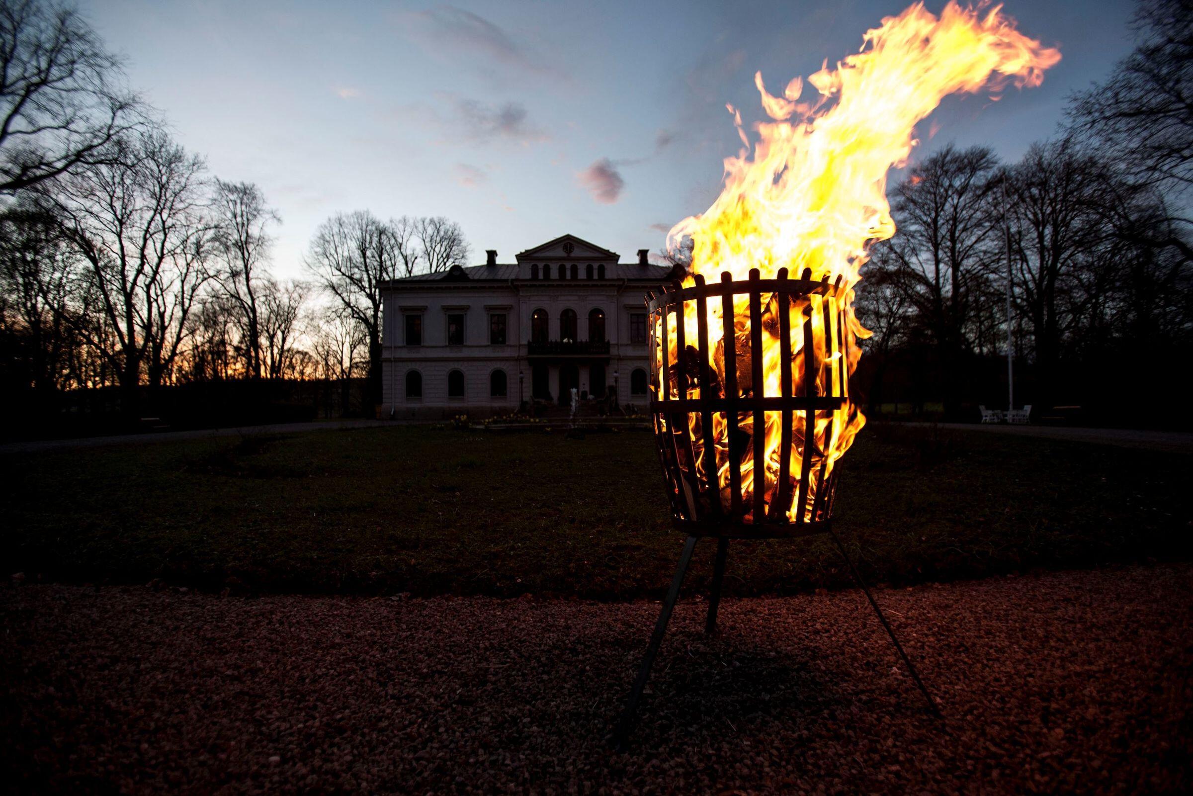Fire basket baron