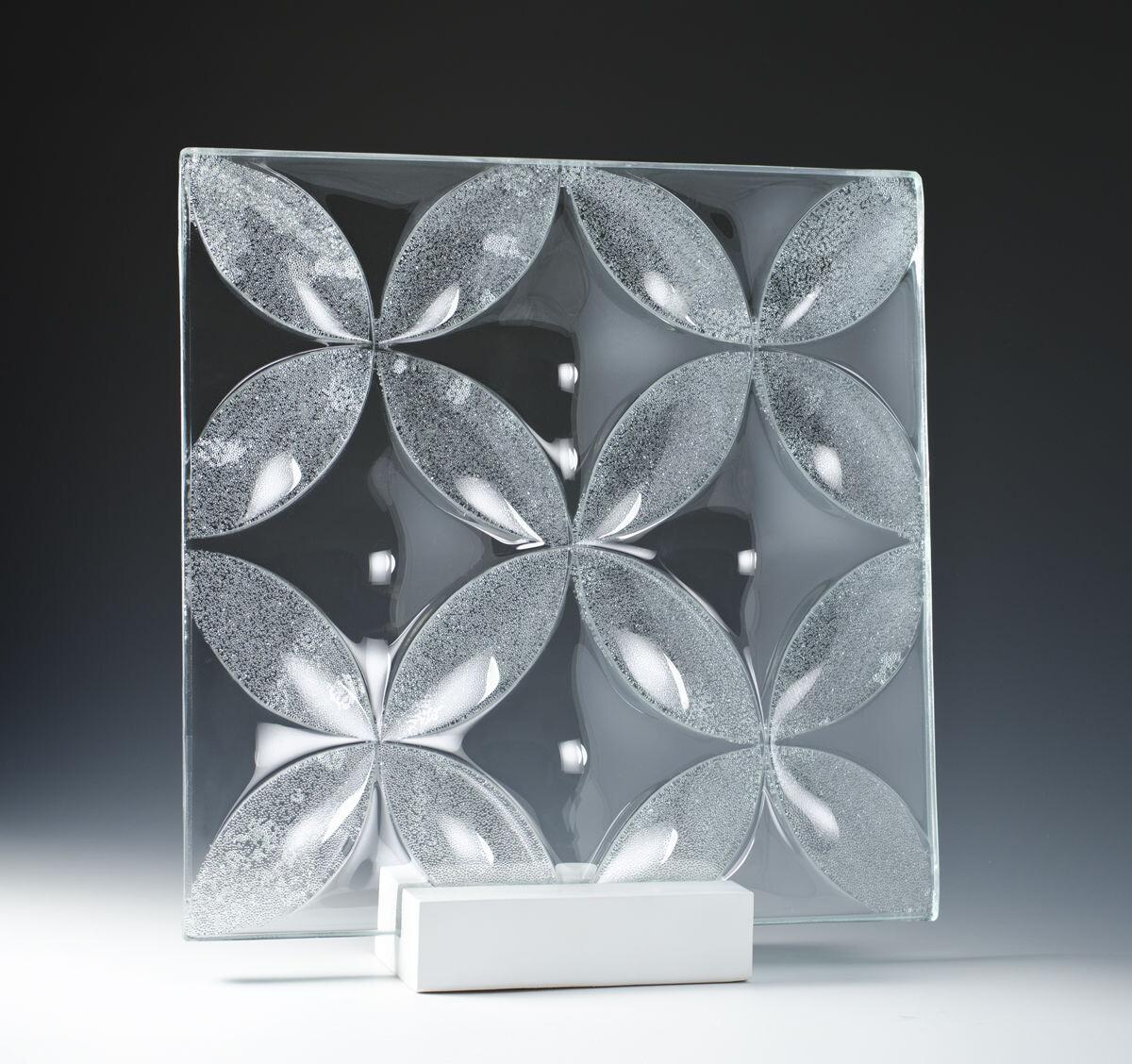 Convex Nexus Crystal Glass