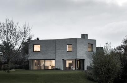 HOUSE J-VC