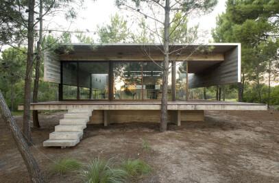 SJ House (Summer House)