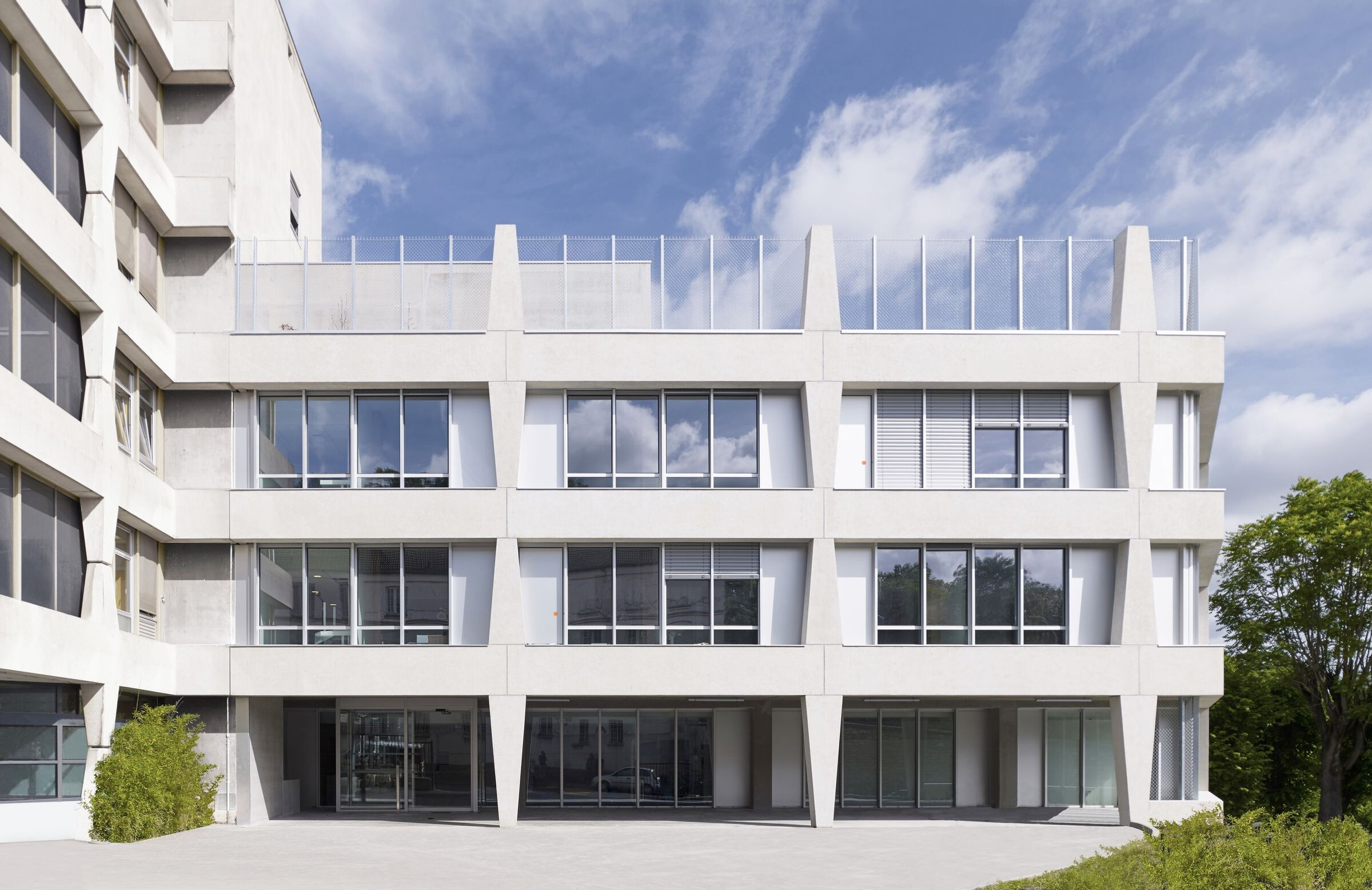 Renovation/Extension Of The Hôpital Suisse In Pari