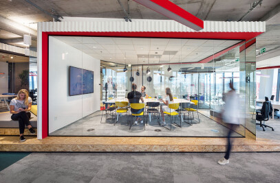 A NEW OFFICE FOR A GAMING COMPANY