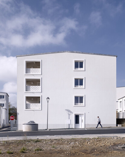 19 Houses And 16 Apartments In Homécourt