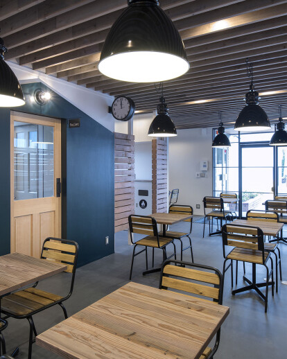 Lounge project for a logistics company