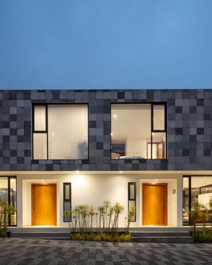 Quatro Housing